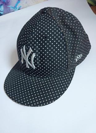 Классная кепка с круглым козырьком,р-р 58,7,унисекс,new era