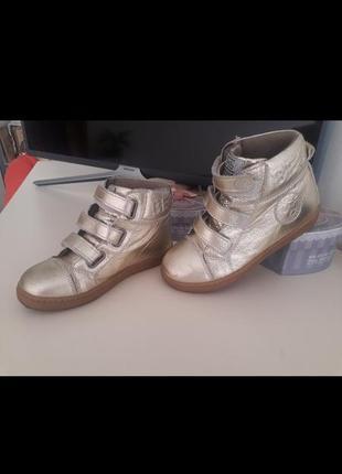 Супер модные высркие кросовки2