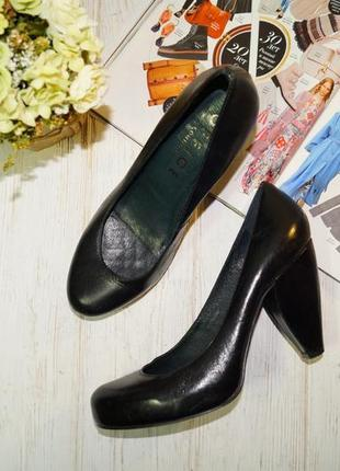 Office london. кожа. красивые базовые туфли на фигурном каблуке
