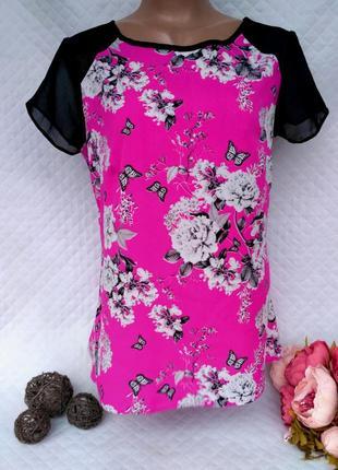 Красивая яркая блуза в цветы, бабочки с шифоновыми ставками размер 10-12 (42-44)