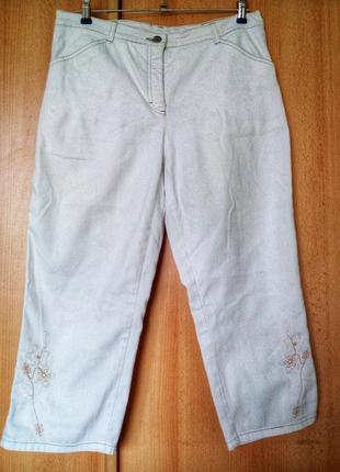 Джинсовые бриджы/кюлоты с карманами , вышивкой и контрасн швом