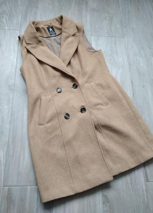 Двубортная жилетка, безрукавка, пальто без рукавов с шерстью