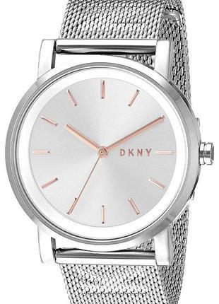 Часы dkny новые с гарантией +  в подарок шарф bonobo