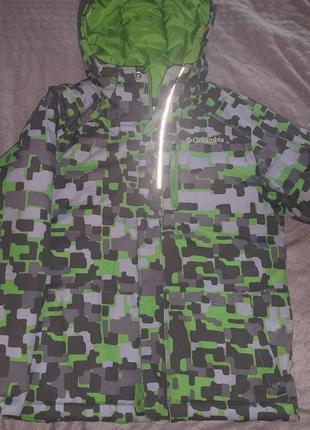 Зимняя куртка columbia на 7-8 лет.