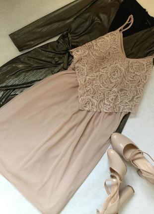 Платье сетка на тонких бретельках с гипюром нюдового цвета miss selfridge размер 12/14