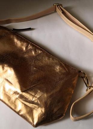 Стильная и удобная сумка с карманами
