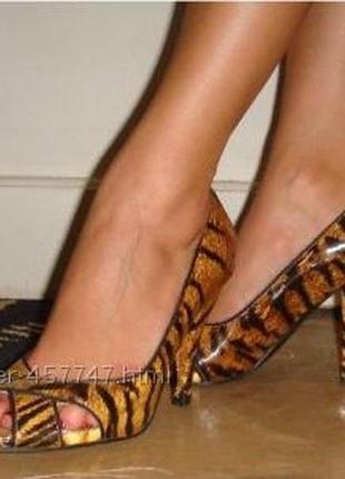 Лаковые кожаные туфли лодочки в анималистичный принт тигровый леопардовый5 фото