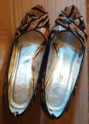 Лаковые кожаные туфли лодочки в анималистичный принт тигровый леопардовый9 фото