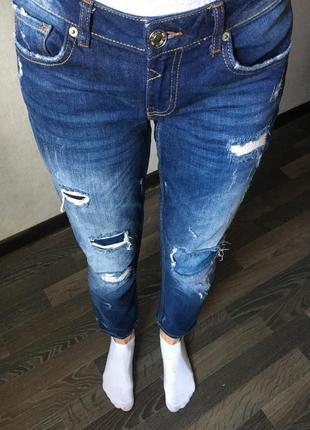 Крутые джинсы бойфренды3 фото