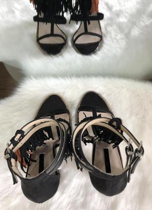 Трендовые черные босоножки с бахромой/открытые туфли на каблуке lost ink 37 384 фото