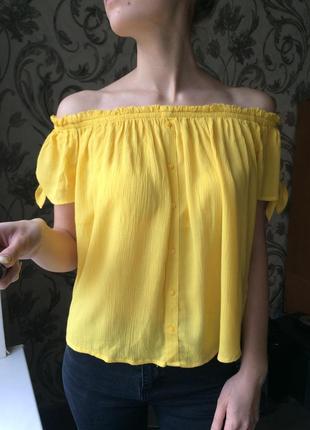 Блузка с открытыми плечиками primark