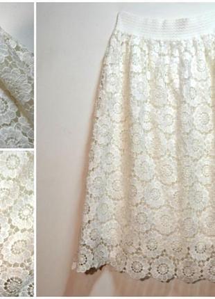 Красивая белая юбка в кружево
