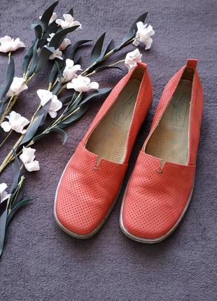 Туфли от medicus/слипоны/макасины/натуральная кожа/40р-на низком ходу