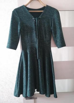 Платья с расклешенной юбкой