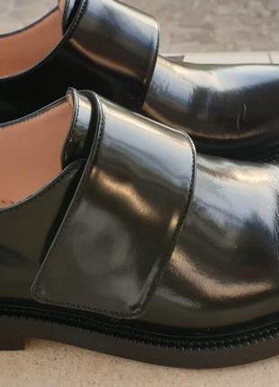 Закрытые туфли inch2