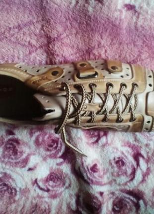 Летние туфли кроссовки.
