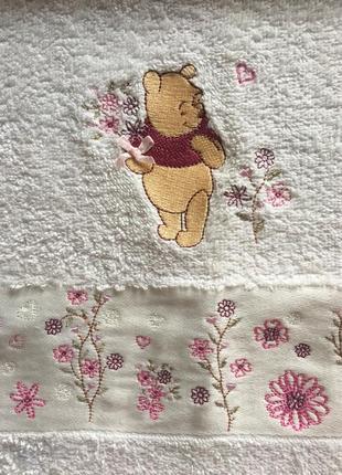 Белые детские махровые полотенца с мишкой винни пухом