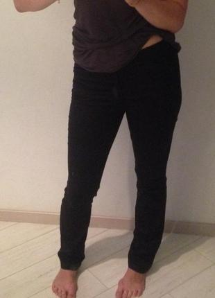 Черные брюки mango basic
