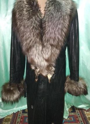 Кожаное пальто плащ с чернобуркой