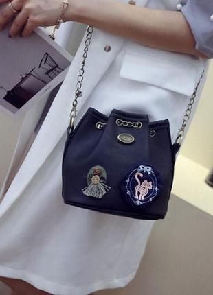 Маленькая сумка- мешок  сумка-ведро с декором ручной работы