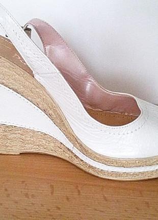 Летние кожаные босоножки на платформе и высоком каблуке s.piero