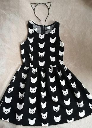 Милое платье в стиле беби-долл