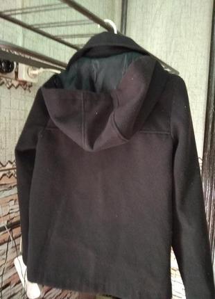 Красивое кашемировое пальто с капюшоном на мальчика
