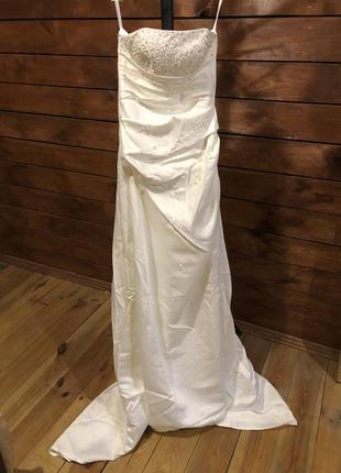 Распродажа свадебных и выпускных нарядов
