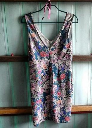 Платье в цветок pull and bear