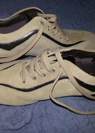 Новые туфли-кроссовки geox.