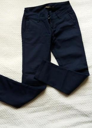 Класичні брюки розмір 26