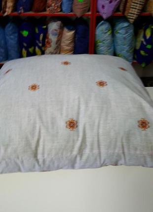 Подушка 60см ×60см. антиаллергенная.