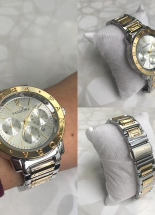Женские наручные металлические часы с датой серебристые с золотым