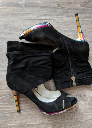 Ботинки с открытым носком