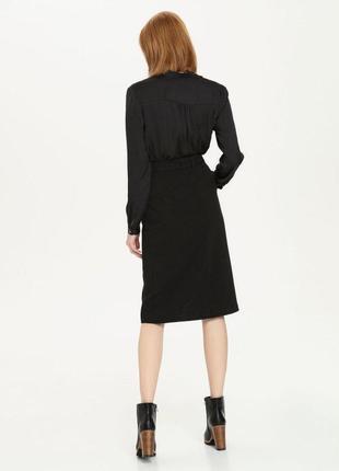 Чёрная юбка карандаш с разрезом спереди2 фото