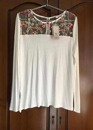 Вискозная блуза с вышивкой длинный рукав кремового цвета
