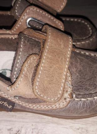Шкіряні якісні туфлі для хлопчика