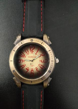 Наручные часы quartz waijieer