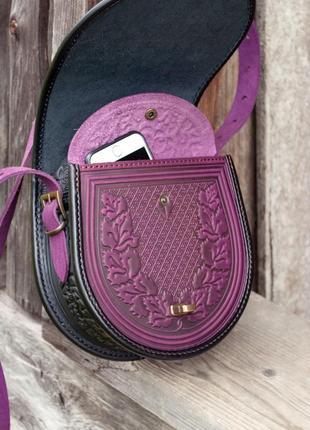 Сумка кожаная женская фиолетовая через плечо с орнаментом тиснение бохо стиль6 фото