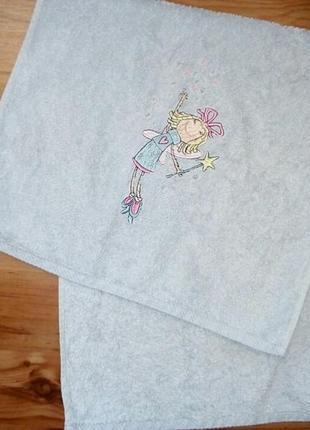 Полотенце с принцессой1 фото