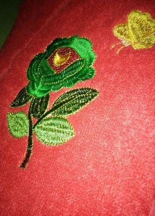 Новое красное махровое полотенце4 фото