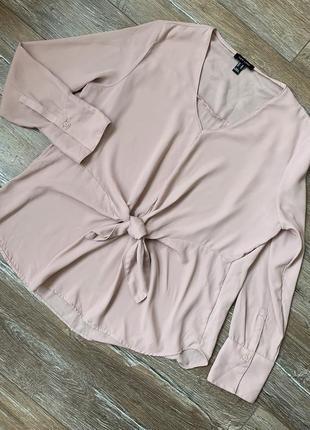 Очень красивая блуза с завязкой на талии пудрового цвета