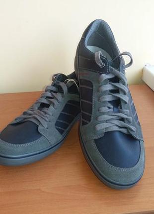 Новые кожаные кроссовки geox