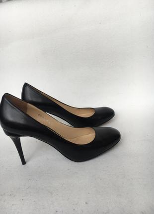 Шикарные кожаные туфли р.37 sharman