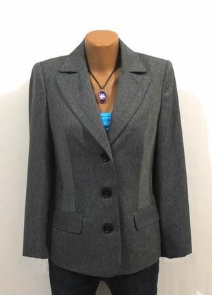 Роскошный блейзер пиджак от atelier стройнит размер: 46-m