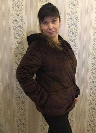 Стильная велюровая куртка