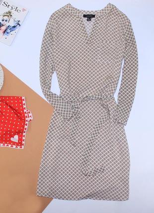 Очень нежное платье в принт прямого кроя рубашечный стиль