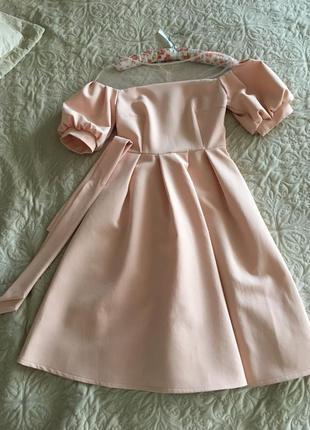Платье с рукавами фонариками