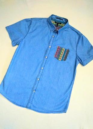 Оригинальная джинсовая рубашка.