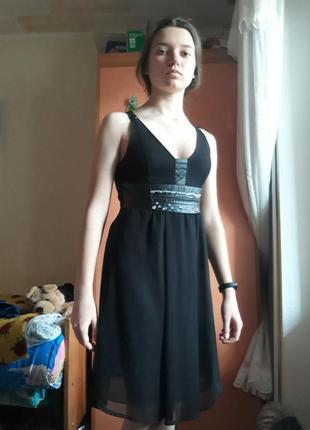 Отличное черное платье